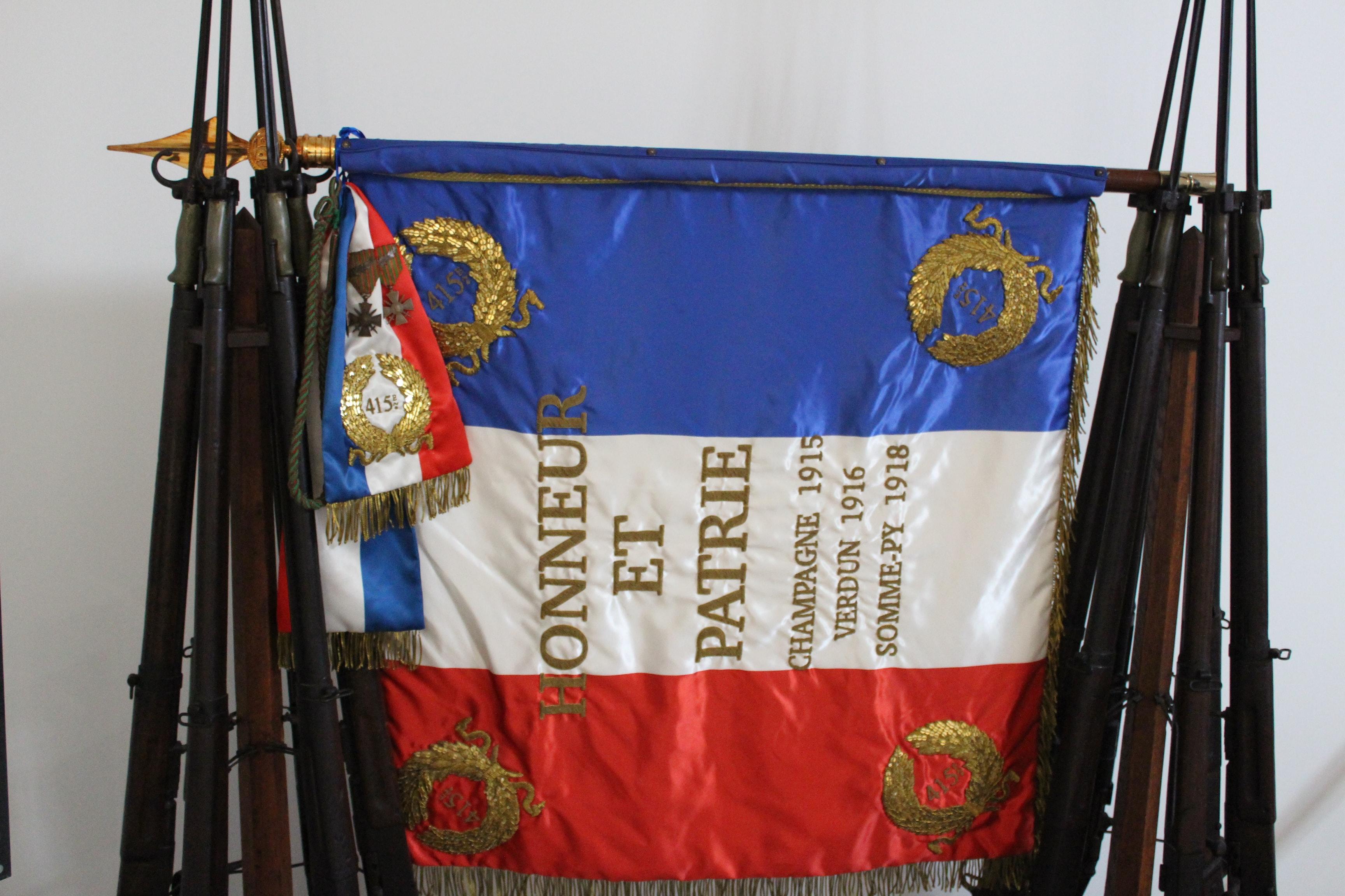 drapeau-salle-armistice-1918